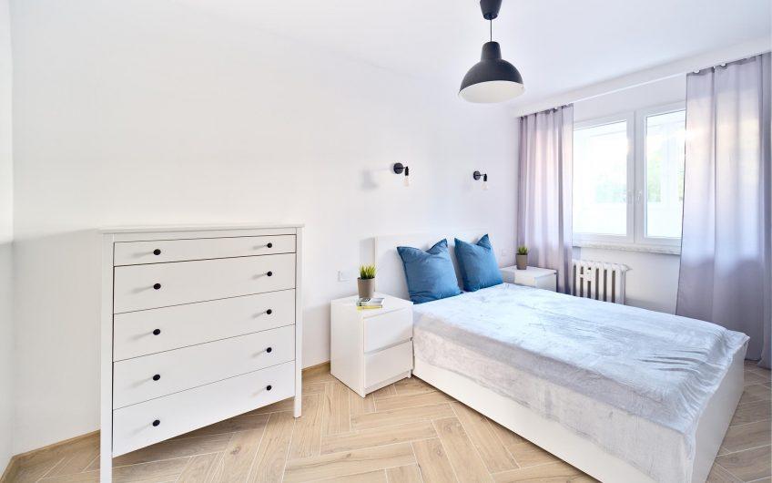 Wynajmę 2 pokojowe mieszkanie znajdujące się w Legnica na parterze przy ul Marynarskiej.