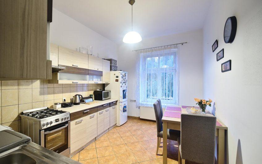 Bardzo ładne 60m2 mieszkanie położone na 2 piętrze w samy centrum Legnicy