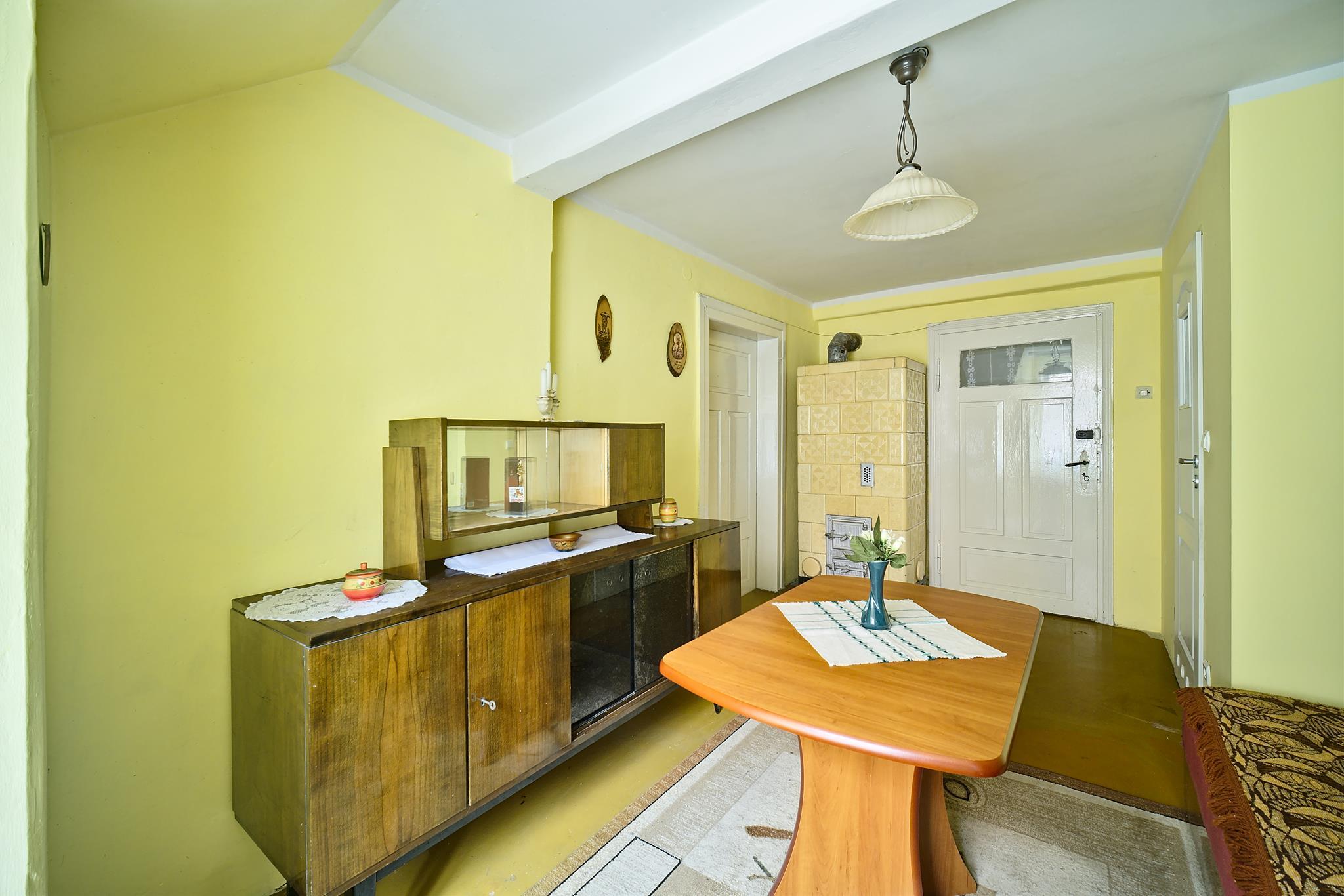 Oferuję na sprzedaż 40m2 mieszkanie położone w samy centrum Złotoryjskiego rynku.